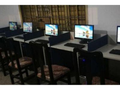 Club habilita computadoras  para  clases virtuales de niños