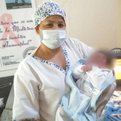 Crónica / Bebe'i recién nacido fue abandonado a su suerte