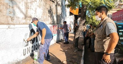 La Nación / Retiran propaganda electoral de la calle por extemporánea