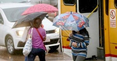La Nación / Lunes fresco a cálido y lluvias dispersas