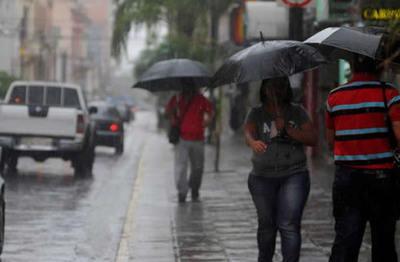 Lluvias leves e intermitentes para hoy