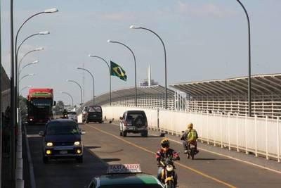 Infectólogos piden cerrar frontera con Brasil