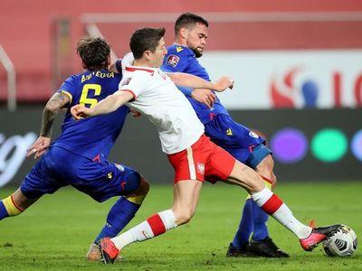 Polonia se enfrenta a Inglaterra debilitada por baja de Lewandowski