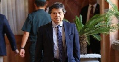 """La Nación / """"En breve vamos a atiborrarnos de vacunas"""", dice canciller, quien anuncia protesta formal contra Covax"""