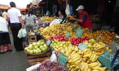 Mercado sigue abierto a pesar de restricciones