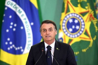 Bolsonaro cambia seis ministros