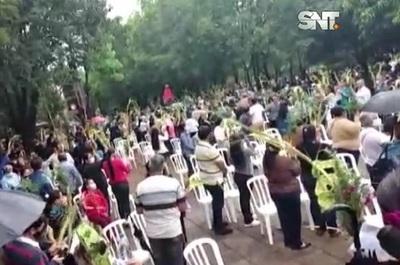 Capiatá: Insensata aglomeración en Domingo de Ramos