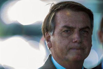 Bolsonaro reorganiza su gabinete bajo presión por la pandemia