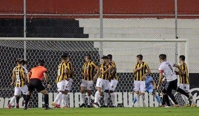 La última vez que Guaraní estuvo siete partidos al hilo sin ganar