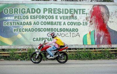 Bolsonaro reorganiza su  gabinete con seis cambios