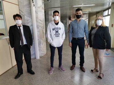 Jueza decreta prisión de manifestantes imputados por quema del local de ANR