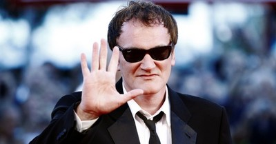 La épica foto por el cumpleaños 58 de Tarantino que la rompe en la web