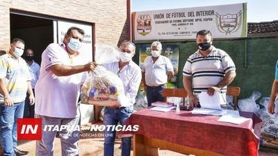 INTEGRANTES DE LA FEDERACIÓN DE FÚTBOL DE ITAPÚA RECIBIERON EN KITS DE VÍVERES.