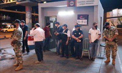 Once detenidos en allanamiento contra corrupción en Aduanas de CDE