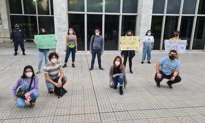 Repudian fallo de jueza que encarceló a manifestantes