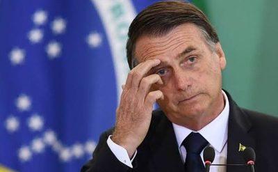Jair Bolsonaro destituye a la cúpula del Ejército de Brasil