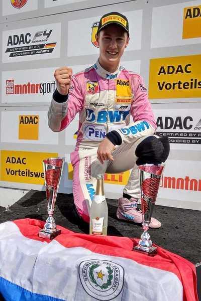 Duerksen continuará con el equipo Mücke Motorsport