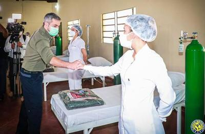"""Otra """"maravilla"""" de Marito: Presidente habilita 25 camas en sede militar •"""