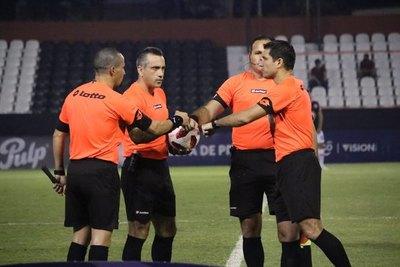 ¿Los cinco mejores árbitros del fútbol paraguayo?