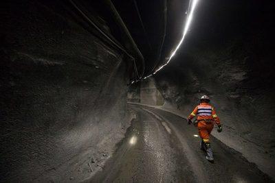 La producción industrial en Chile baja un 3,4 % en febrero por la minería y el gas