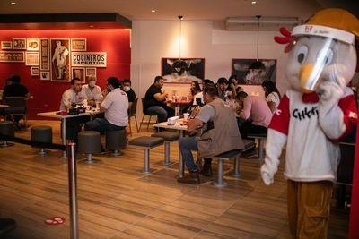 KFC habilitó nuevo local en Asunción