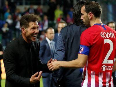 """Godín: """"Diego Simeone ya es un amigo, me enseñó mucho"""""""