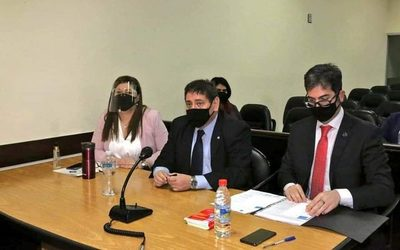 Ratifican orden de captura para Dalia López