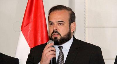 Exministro arremete contra Alegre por seguir buscando rédito político por el 31M
