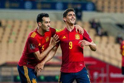 España endereza el rumbo a Qatar-2022
