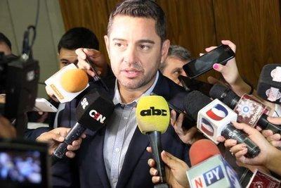 """Alliana despotrica en contra de Efraín Alegre y lo califica """"charlatán y bufón"""""""