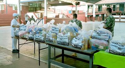 El MEC entrega Kits alimentario #paraguay
