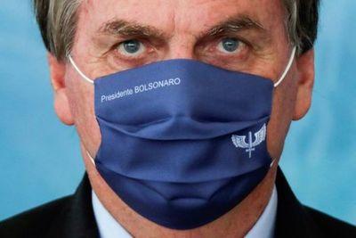 En medio del récord de muertes y contagios por COVID-19, Bolsonaro rechazó las restricciones de movimiento y pidió a la población volver al trabajo