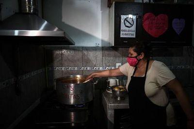 La pobreza trepó en 2020 en una Argentina azotada por la crisis y la pandemia