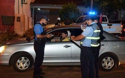 """Denuncian """"apriete"""" policial cuando iban de urgencia al Ineram"""
