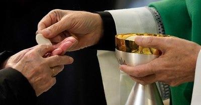 """La Nación / Jueves Santo de la eucaristía: """"Día del amor fraterno, el perdón y la reconciliación"""""""