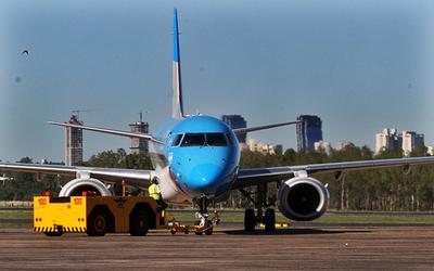 """En octubre ya podrían haber """"vuelos burbuja"""" con Chile y Argentina"""