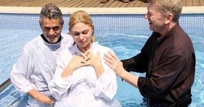 Laura Martino recuerda el día que decidió seguir a Cristo