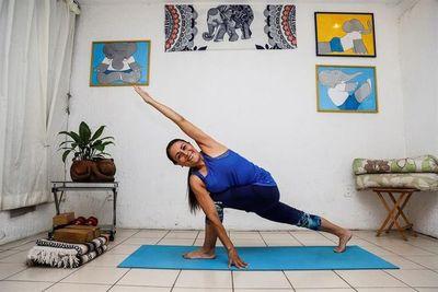 Yoga terapéutico, una alternativa para aliviar secuelas del covid-19