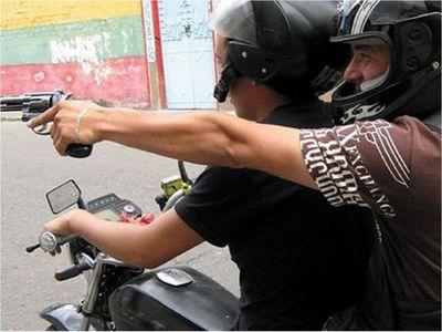 Asesinan a un hombre de varios disparos en Asunción