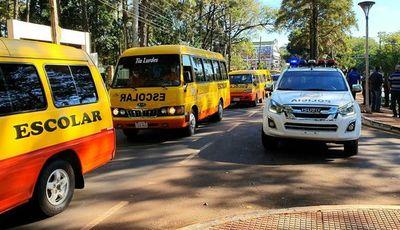 Transportistas escolares siguen la espera para operar y cubrir regulada de buses