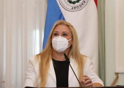Ministra trabaja en el empoderamiento económico y político de las mujeres