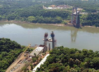 Concluyó segundo tramo del tablero del Puente de la Integración en el lado paraguayo