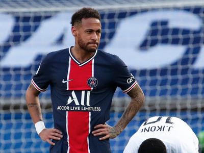 Lille se consolida como único puntero en Francia