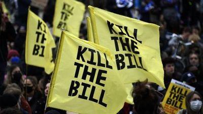 Kill the Bill: Británicos marchan contra el proyecto de ley antiprotestas