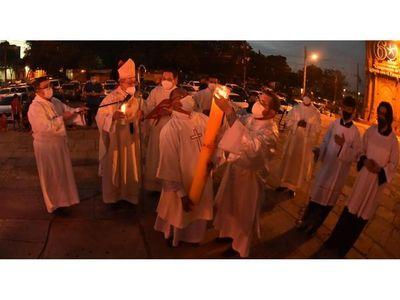 En Vigilia Pascual, la Iglesia urge al Gobierno reorientar política sanitaria