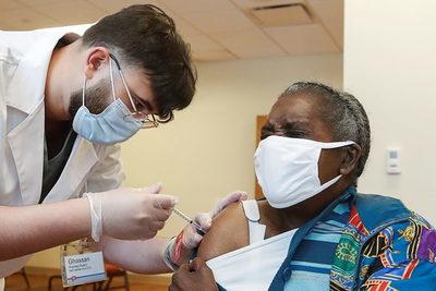 Estados Unidos aplicó en un solo día más de 4 millones de vacunas contra el COVID-19