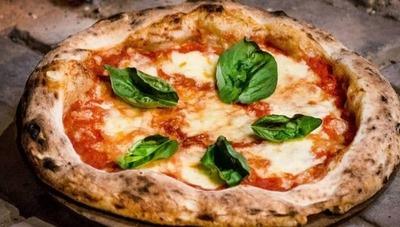 Tiro al Aire: los que inventaron el Mbeju-pizza tienen como meta franquiciar la marca a nivel país este año