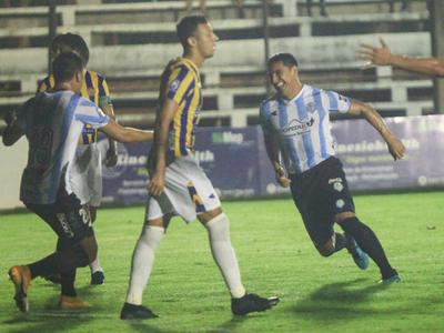 Miguel Paniagua anota el mejor gol de la fecha 10