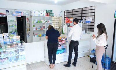 Farmacias especulan con precios de medicamentos