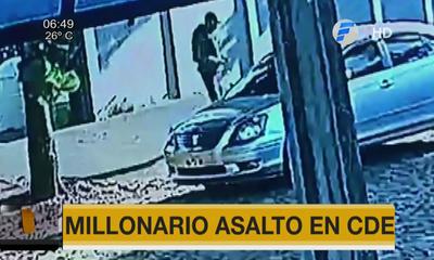 Millonario asalto en CDE
